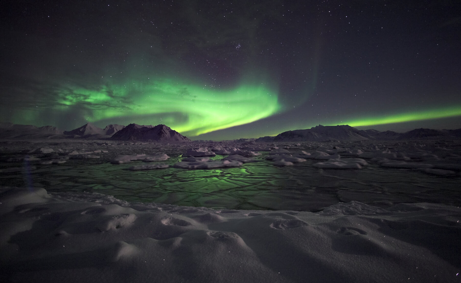 Non-stop from Toronto, Canada to Reykjavik, Iceland for only $333 CAD roundtrip