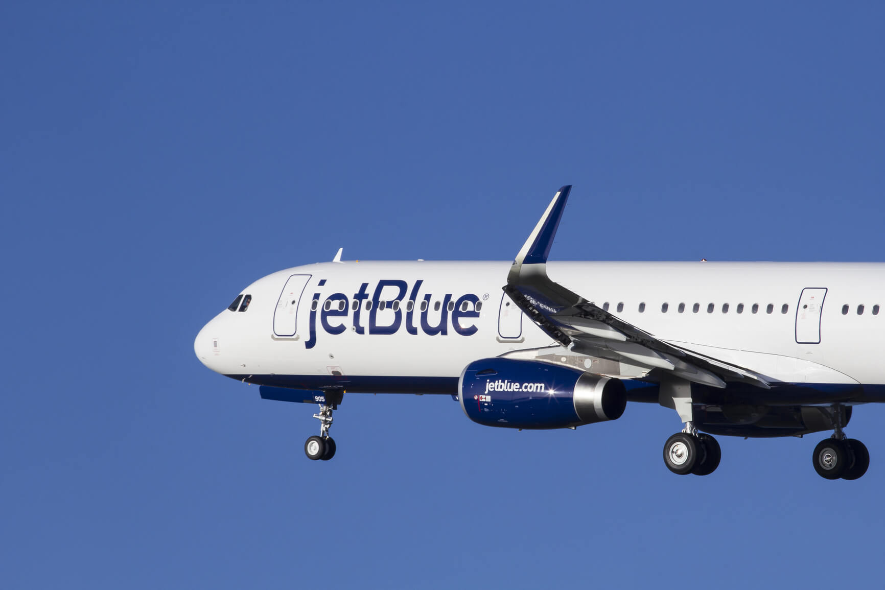 FLASH SALE: JetBlue flights from only $19 one-way (e.g. Long Beach to Oakland)