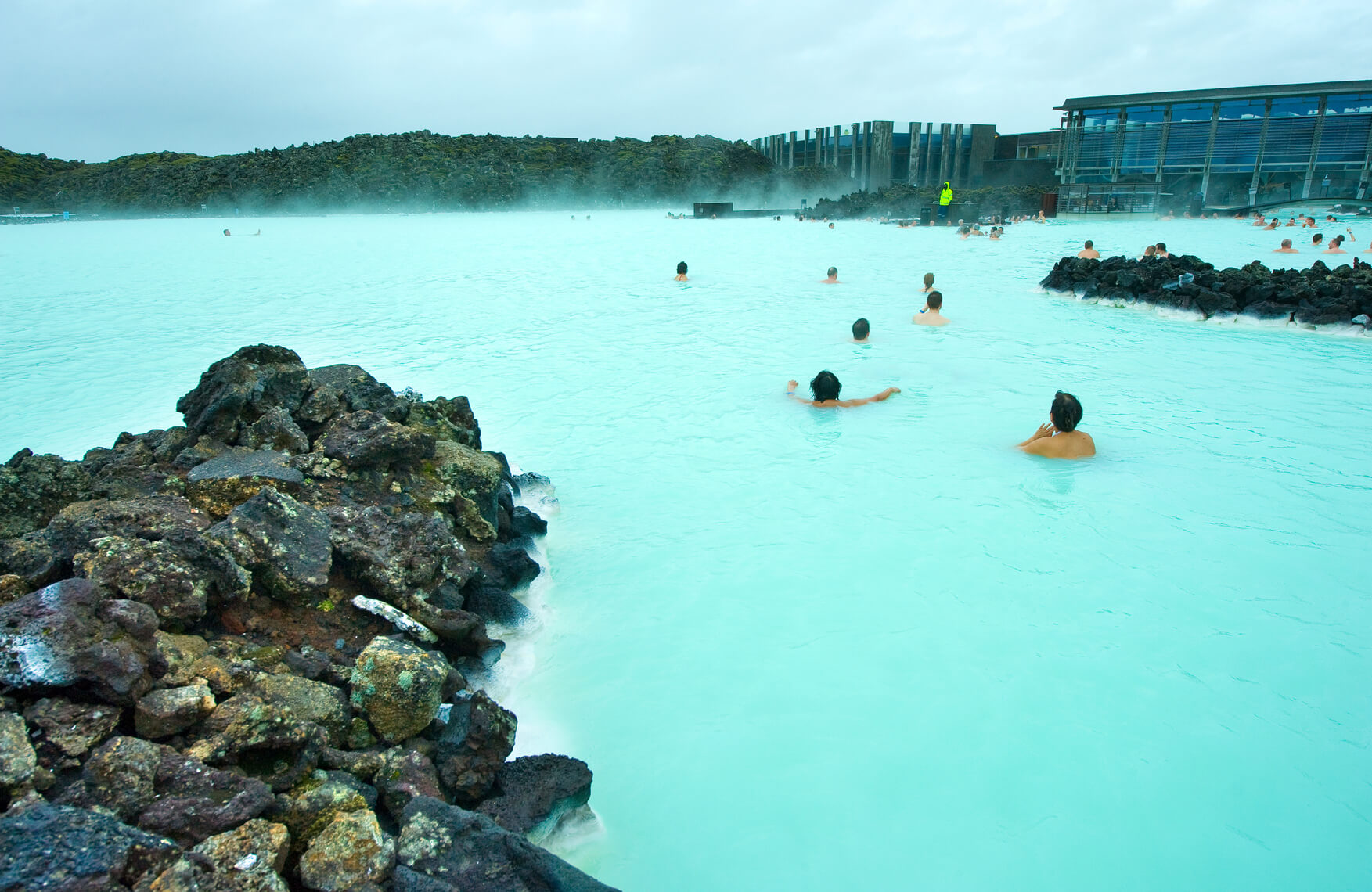 Non-stop from London, UK to Reykjavik, Iceland for only £20 roundtrip (& vice versa for €20) (members only)