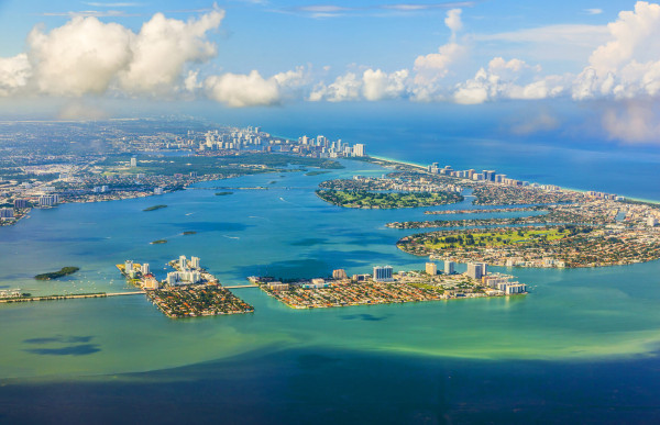 Vancouver, Canada to Miami, USA for only $326 CAD roundtrip (Apr-Nov dates)