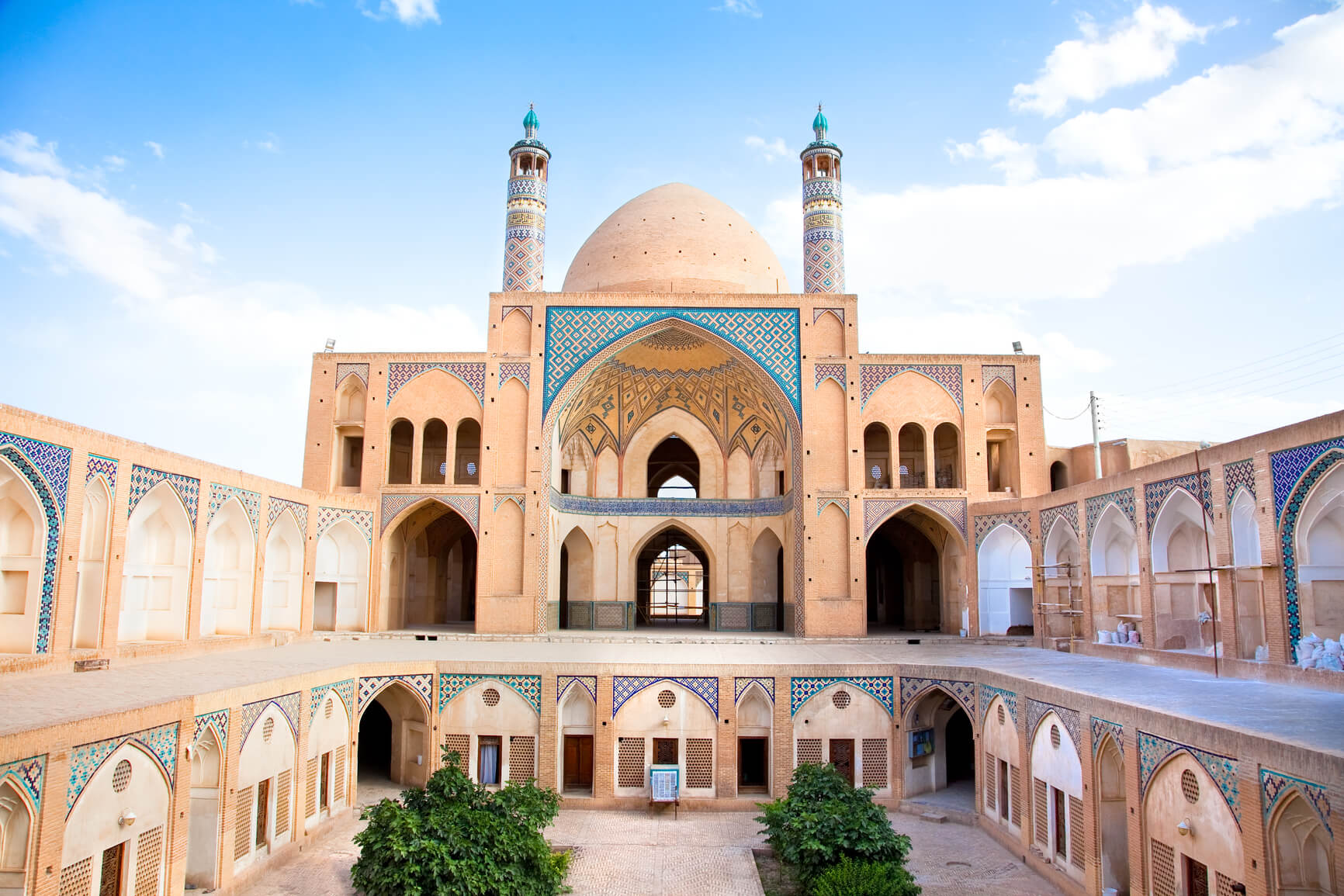 Many European cities to Tehran, Iran from only €135 roundtrip