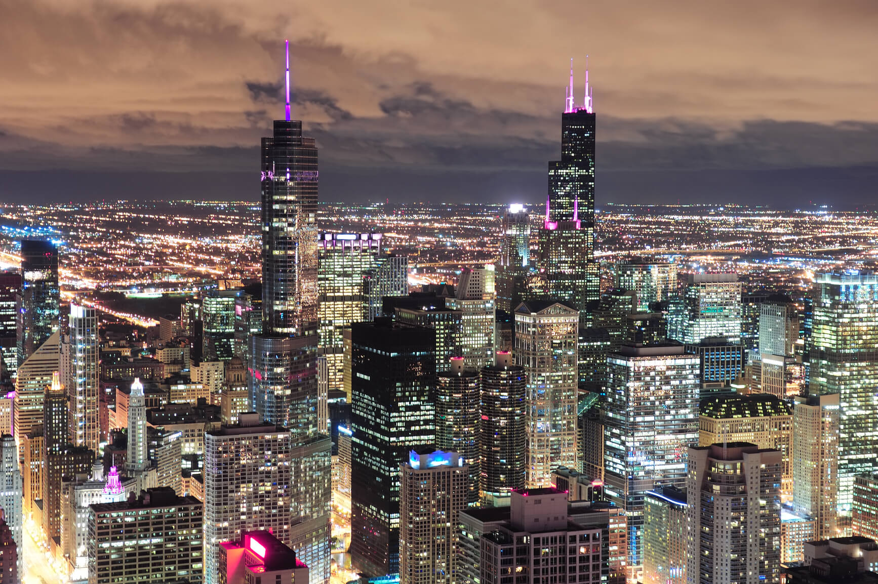 Hong Kong to Chicago, USA for only $323 USD roundtrip (Sep-Oct dates)