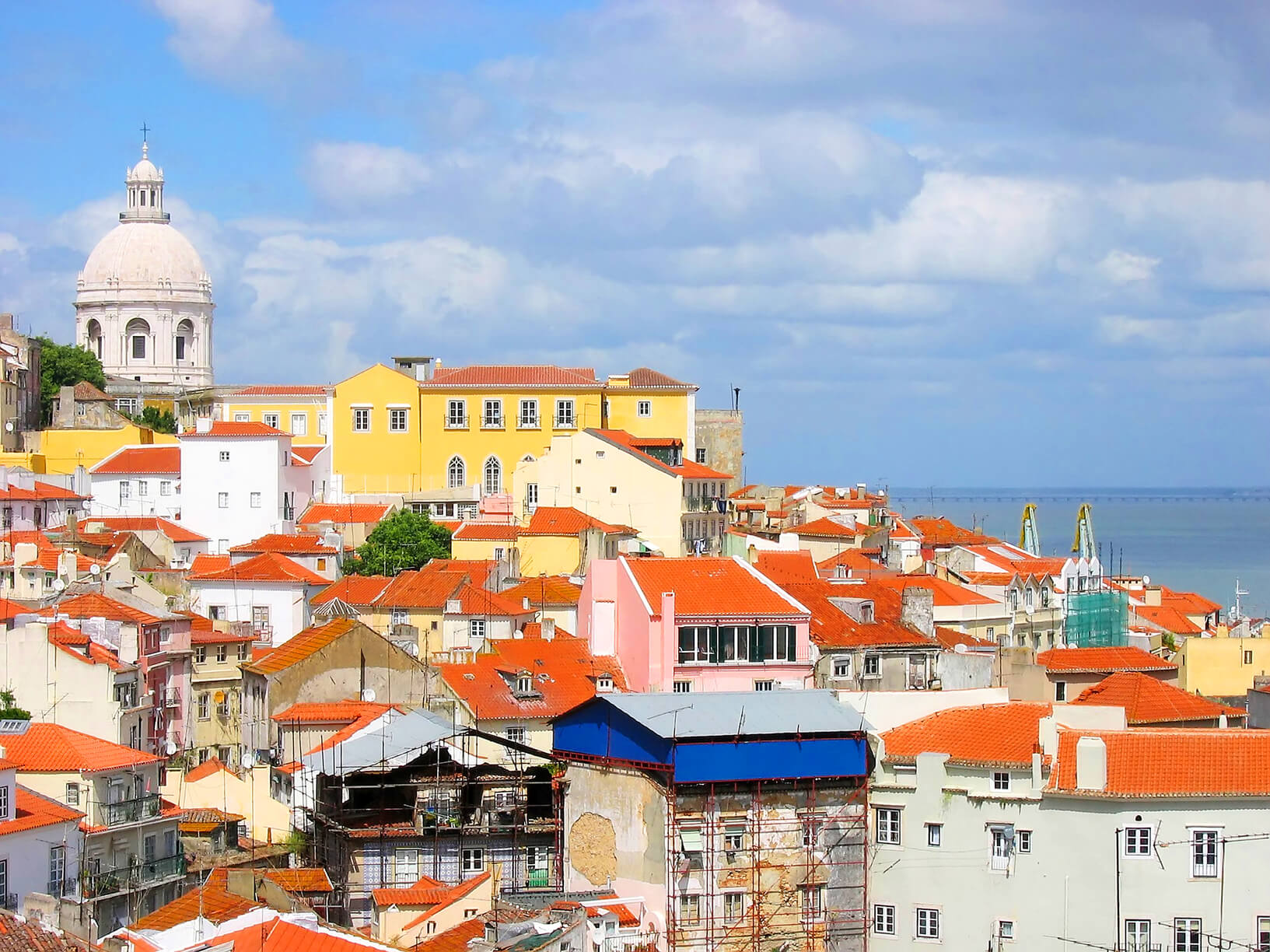 HOT!! SUMMER: Boston to Lisbon, Portugal for only $287 roundtrip (Aug-Nov dates)