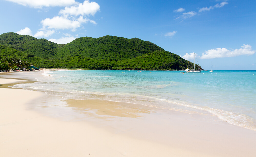 Non-stop from Paris, France to St. Martin for only €384 roundtrip