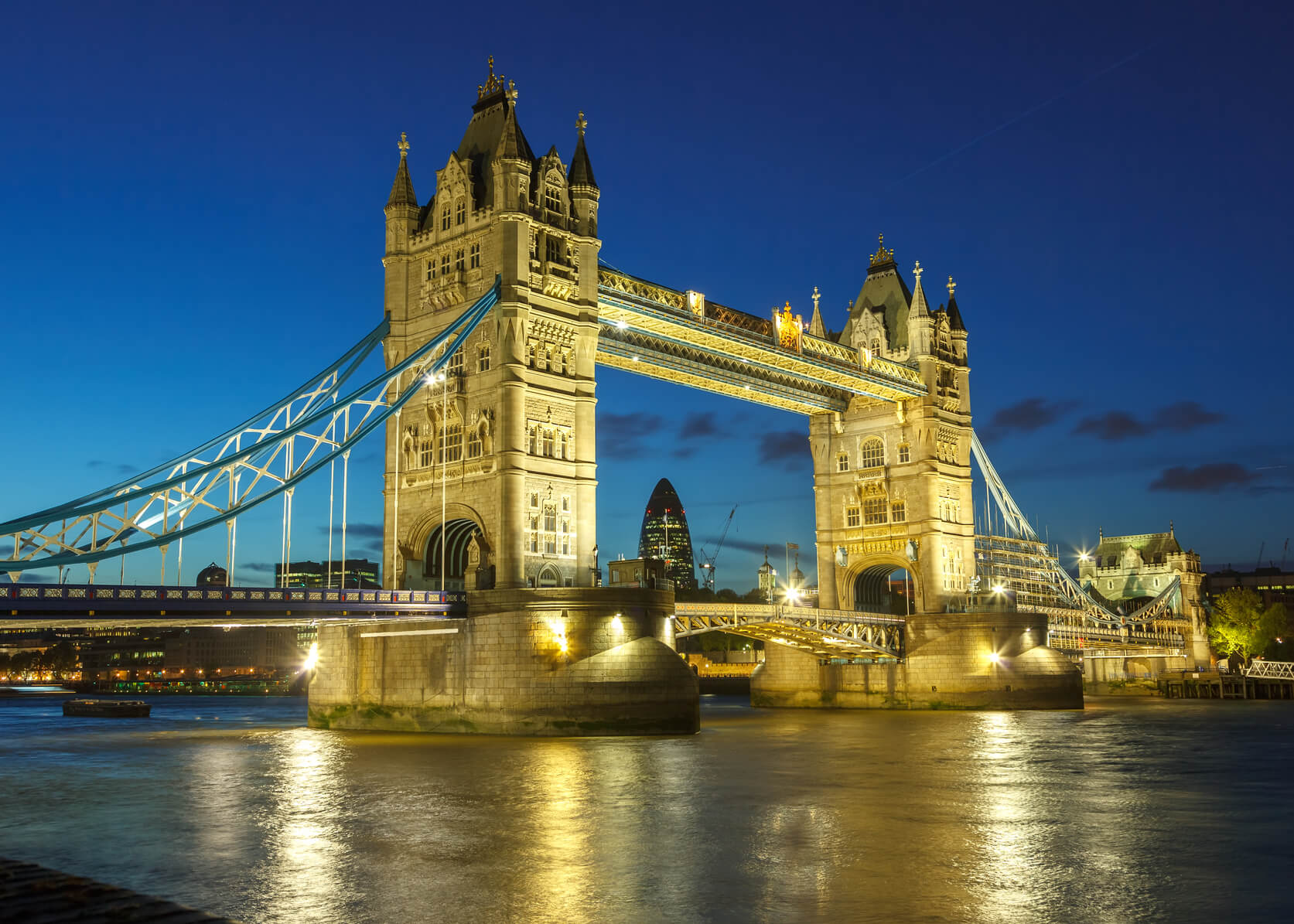 HOT!! New York to London, UK for only $236 roundtrip (Nov-Mar dates)