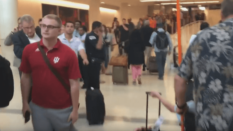 Video Of A Ridiculously Long Tsa Queue At Chicago Midway Airport Goes Viral | Secret Flying