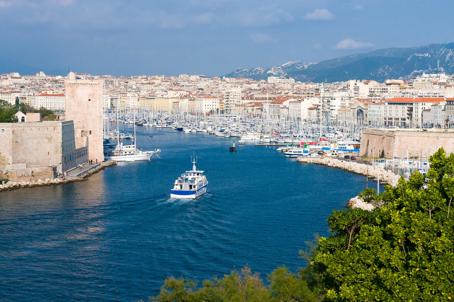 SUMMER: Montreal, Canada to Marseille, France for only $383 CAD roundtrip (Aug-Sep dates)