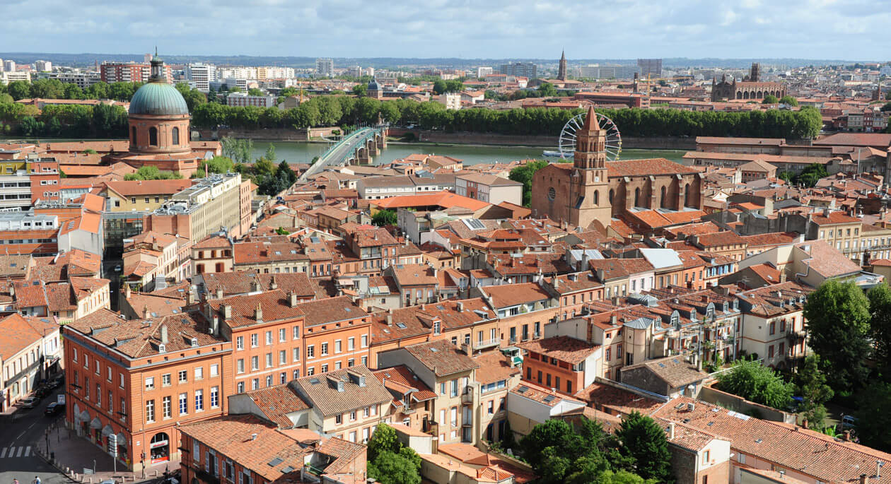 HOT!! SUMMER: Montreal, Canada to Toulouse, France for only $381 CAD roundtrip (Aug-Sep dates)