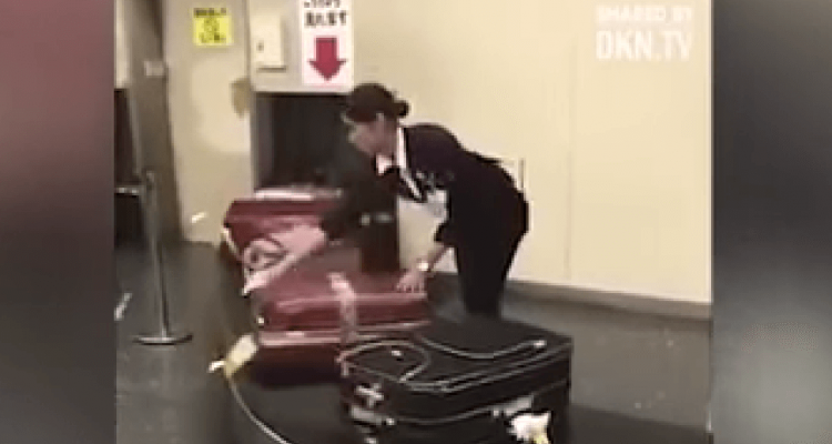 VIDEO: Airport worker in Japan cleans suitcases before they are returned to passengers   Secret Flying