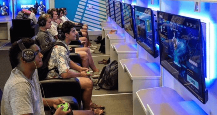 Dallas Fort Worth International Airport Opens Two Video Game Lounges