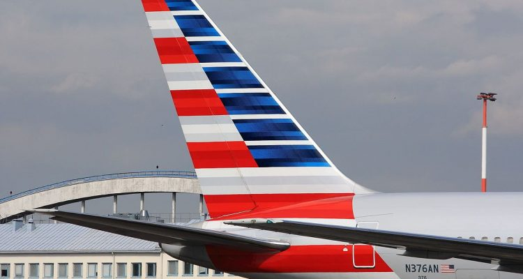 American Airlines flight cancelled after 30 Boston teenagers refuse to wear face masks | Secret Flying